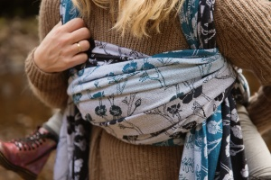 Entwistle Reservoir - Close up of a knotless finish chest pass on a Baie Slings woven wrap