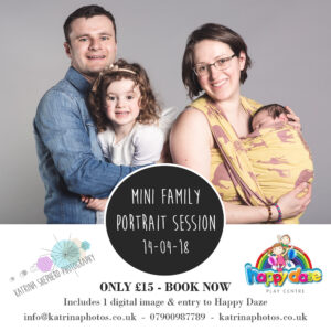 Mini family portrait session at happy daze 2018_04_14 - Portrait of a family of four against a grey background