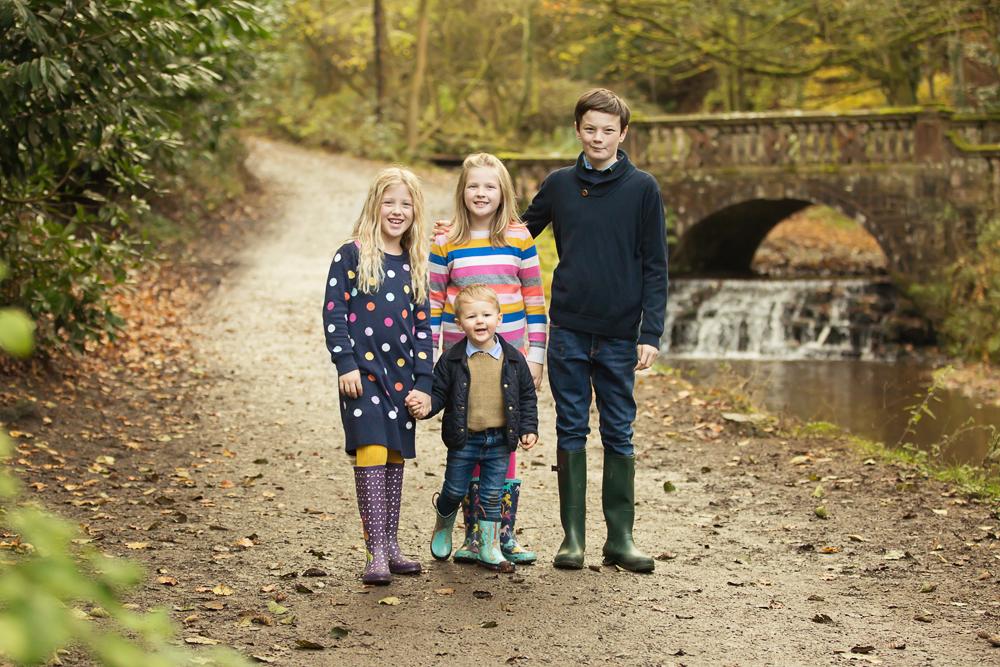 Family Photo Shoot – Sunnyhurst Woods, Darwen – Late Autumn